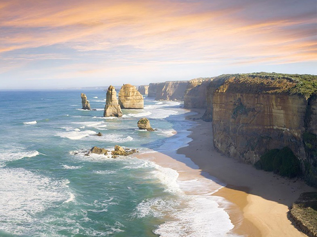 Cover Image of Great Ocean Road Day Tour